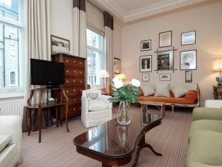 High Quality 2 Bedroom Kensington Apartment