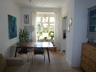 Charming Copenhagen apartment near Lindevang st, Copenhague