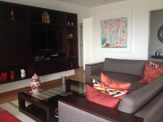 Great 2 Bedroom Apartment in Barranco with balcony, Lima