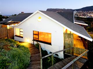 'Trappieskop' Apartment, family rental near sea, Clovelly
