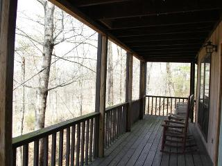Chalet 1st Fl ~Rustic, Affordable, Family Friendly, Dandridge