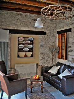 Kamara One-Bedroom living room.