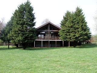 Large Groups, Youth, Rustic Log cabin lodge, Dandridge
