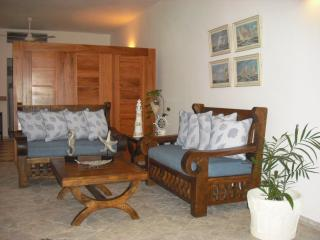 Spacious Beach 1BR Apartment,