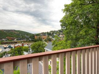 Condo with shared hot tub; walk to Park City Resort and the ski lifts!