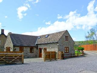 THE STABLE, pet friendly, character holiday cottage, with a garden in Craven Arms, Ref 13270