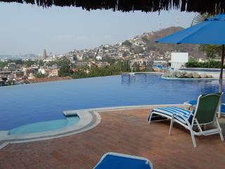Selva Romantica Penthouse Two Blocks from Beach, Puerto Vallarta