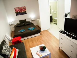 Cool! Budapest Downtown Apartment, Boedapest