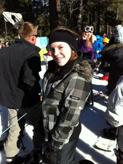Laura bout to Snowboard