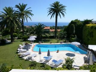 Absolutely Spectacular 5BR w Superb Panoramic View, Niza