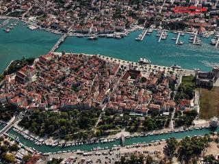 Cosy apartment just minutes walk from town center, Trogir