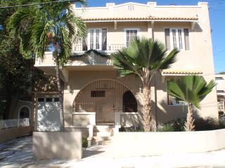 Villa Elena Luxury Apt in Ocean Park, San Juan