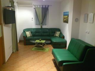 12543 - Apartments Velimir, Novalja