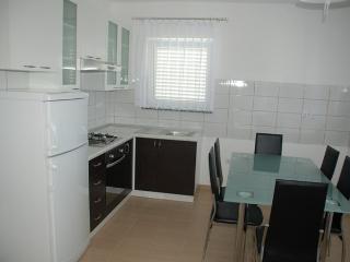 12888 - Apartments Marija, Ciudad de Rab