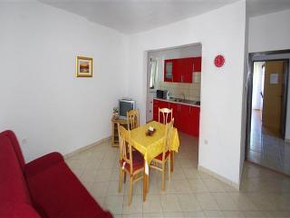 13438 - Apartments Ivana, Isla de Pag