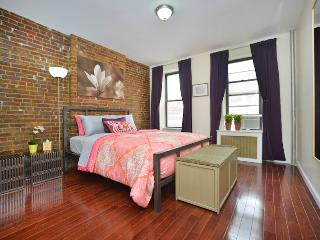 *ACADIA* Bright  2 bedroom Apt on Upper East Side!