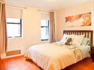 *ENCHANTMENT* Upper East Side 2 bedroom apartment!, Nova York