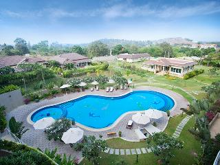 2 bed / 2 bath condo in Searidge resort, Hua Hin