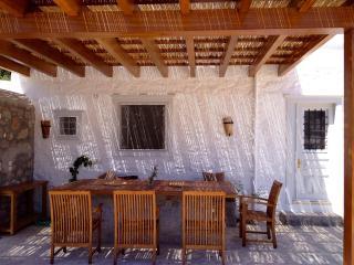 4 br & apt. Luxurious family Villa, great views