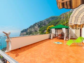 LivingAmalfi Il Sogno di Amalfi, sea view, wifi, big terrace, air-condition, Pogerola
