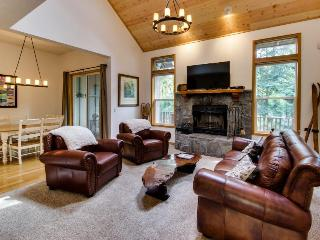 Condo w/resort attractions and a private hot tub!, Welches