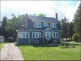 Beautiful Victorian Near Racing, Golfing, & Hiking, Glenbeulah
