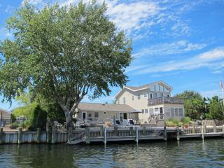 Lagoon Front with bay views - 6 BR  Loveladies LBI, Harvey Cedars
