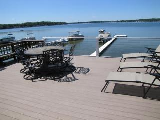Quaint Summer Cottage on Beautiful Duck Lake in MI, Springport