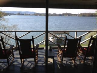 Smith Mtn Lake Vacation Home (5 BR) with Spectacul