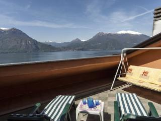 Apt with panoramic terrace in Varenna