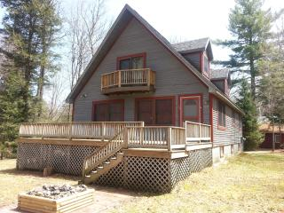 Lovely Four Season Home W/ Dock & Beach Rights, Saranac Lake