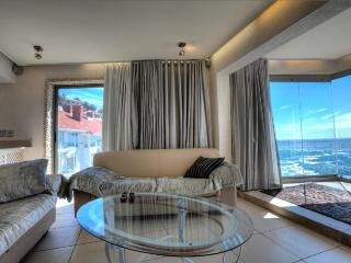 1058 - ROCKY BAY, Bantry Bay
