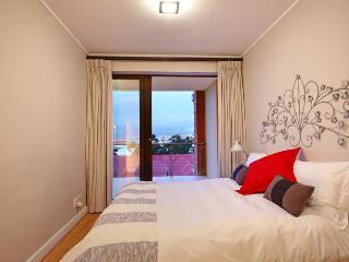 1072 - 421 ROCKWELL, Cape Town
