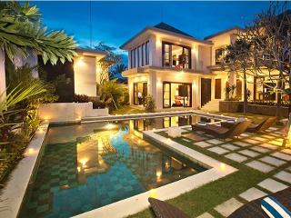 Harmony, 6 Bedroom Villa, Walk To Batu Belig Beach, Seminyak