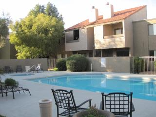 Close to Old town with pool/hot tub, lovely 1bedro