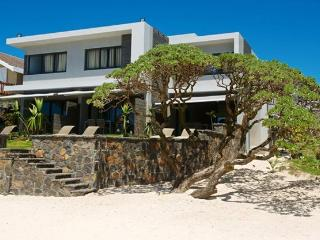 Coral Bay Luxury Beachfront Suite, Pointe d'Esny, Pointe d'Esny