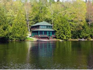 Charming Cottage right on Upper Saranac Lake