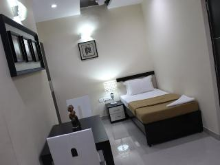 Angson Apartment-Special Room-Pvt, Chennai (Madras)