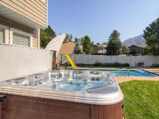 Home with space for 9; including a  private hot tub, Salt Lake City