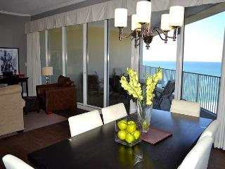 *Perfect for Spring Break* Penthouse Condo! Amenities, 2 Pools, Beach, Miramar Beach