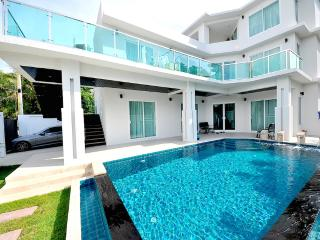 Angelheart villa 4 bedroom villa in Pattaya