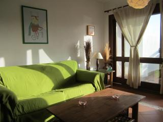 Charming ibiza style 2BD large terrace near beach, Cala d'Or