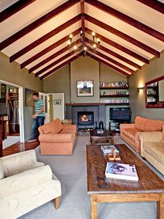 Timber beams Lounge