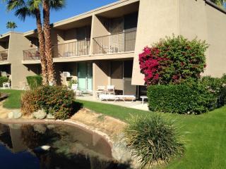Resort Condo, Walk To Best Restaurants & Shopping, Palm Desert