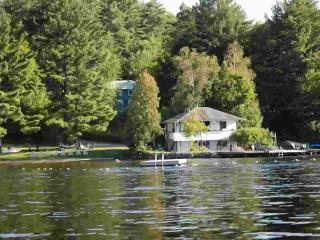 Lakeside Cottage - Clyffe House Cottage Resort, Port Sydney