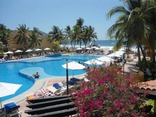 TESORO RESORT-PRIVATE ONE BEDROOM CONDO 2 BEDS, Ixtapa