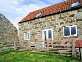 THE PIGGERY romantic retreat, superb views in Farndale near Kirkbymoorside Ref