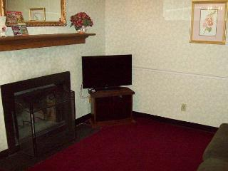 Oak Square, One Bedroom Located in the Heart of Gatlinburg (Unit 103)