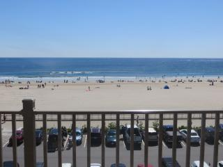 New One Bedroom Oceanfront Penthouse  Condo, Hampton