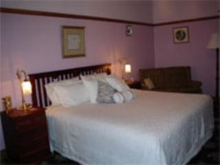 Annabelle of Healesville B & B Lilac Room